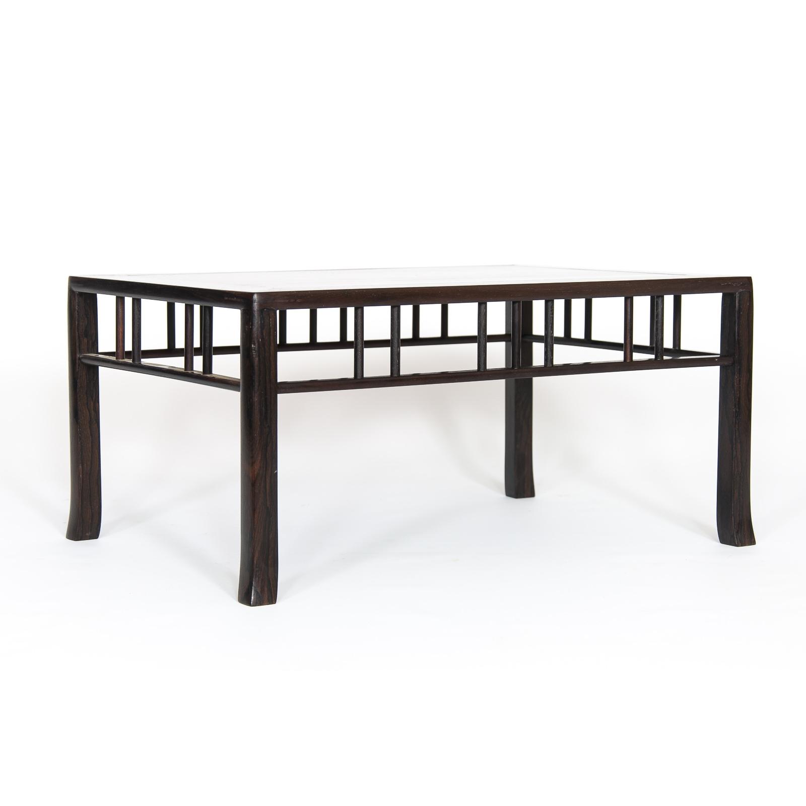 Mesa de exposición ME-008